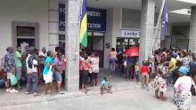 Les habitants de Tranquebar manifestent devant le poste de police de Pope Henessy
