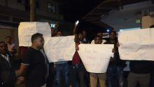 Port-Louis : des activistes rouges mécontents des investitures au no 11 expriment leur colère