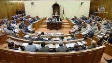 Fuite d'eau à l'Assemblée nationale : entre moqueries et interrogations