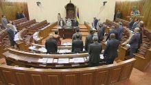 Parlement : suivez en direct les débats sur la motion privée de Ganoo