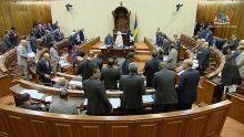 Parlement : les travaux renvoyés à cause du mauvais temps