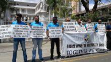 Manif  : les membres de la Police Officers Solidarity Union protestent contre «l'indifférence» du CP
