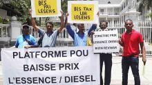 Prix du carburant : encore une manif de la plateforme pou baisse prix l'essence ek diesel