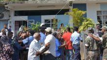 [En images] Meurtre de Swaley Futta : des habitants de Vallée-des-Prêtres crient leur colère