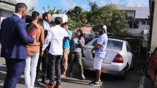 Aux abords du tribunal de Curepipe : tensions entre des proches des Lutchigadoo et des journalistes