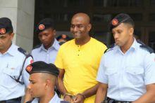 Subutex : Condamné à deux ans de prison, Peroomal Veeren accueille sa sentence avec un large sourire