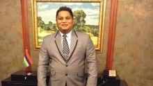 Le président du conseil de district de Flacq, Vikram Hurdoyal, intègre le MSM