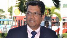 Alliance Nationale au No 11 - Rajesh Jeetah : «Ranpli vant popilasion avan depans miliar dan kamera»