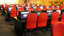 Internet: les cyber-cafés en chute libre