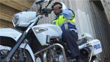 Bambous: accident entre un motard de la police et une voiture