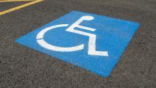 Coupon de parking pour handicapé: pris en contravention, il refuse de payer l'amende