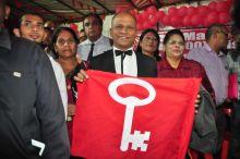 Congrès du PTr : apparition surprise de «Mr Malin»