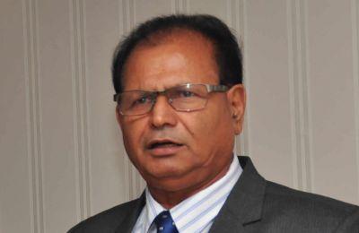 Paul Bérenger veut savoir dans quelles circonstances le Premier ministre a demandé à Raj Dayal [photo] de 'step down'