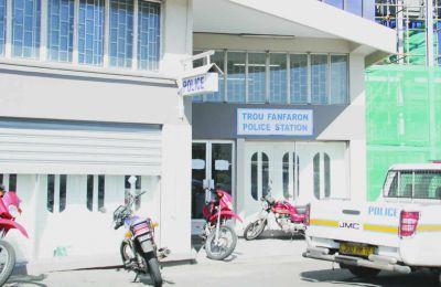 Le poste de police de Trou-Fanfaron où le suspect  a consigné sa déposition.