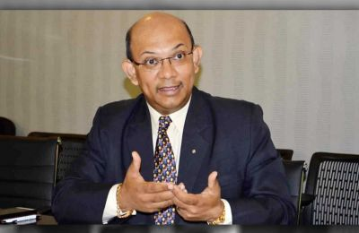 Mr Etienne Sinatambou