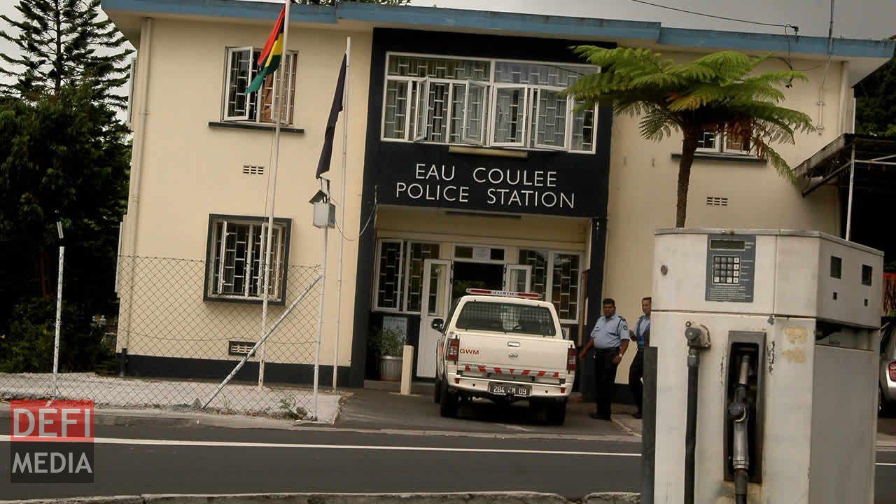 Poste de police Eau-Coulée