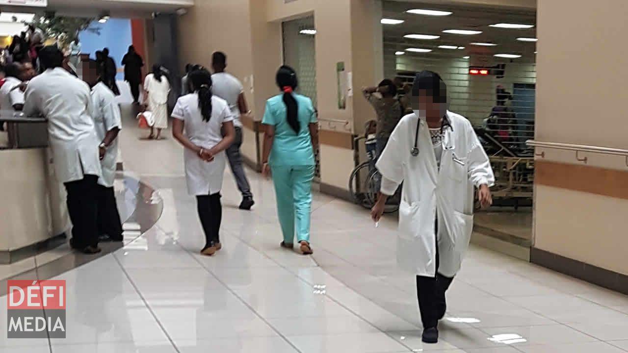 médecins et infirmiers