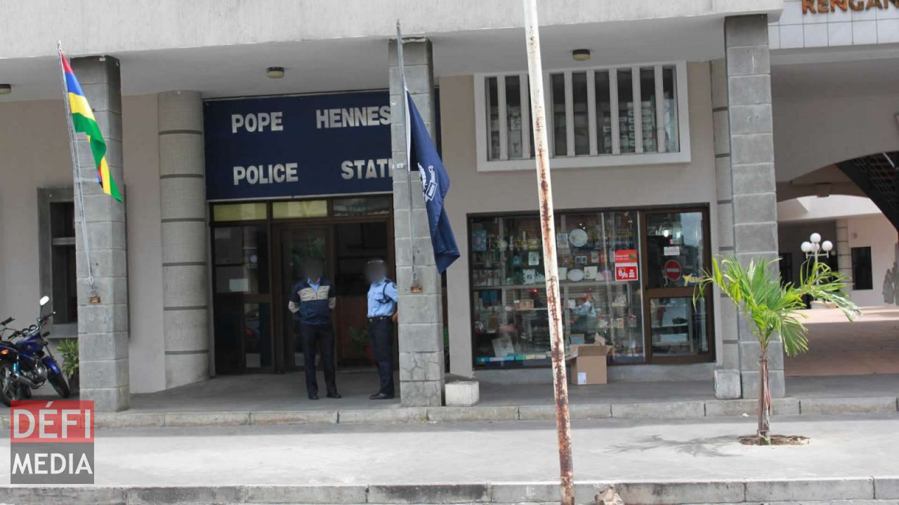 poste de police de Pope Hennessy.
