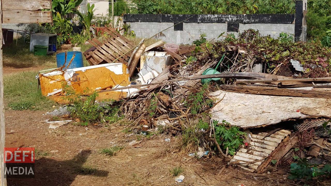 Terrain en friche à Baie-du-Tombeau : propriétaire inconnu, la solution loin d'être trouvée