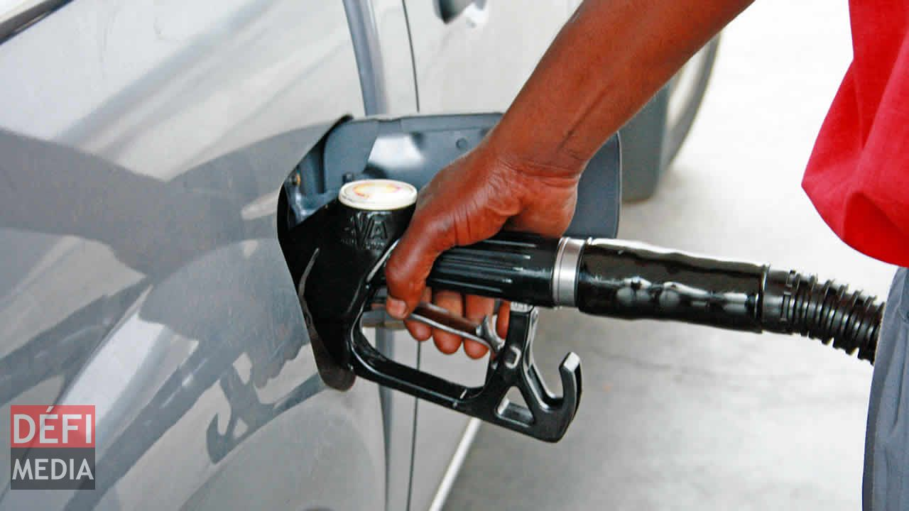 carburants hausse des prix de l essence et du diesel defimedia. Black Bedroom Furniture Sets. Home Design Ideas