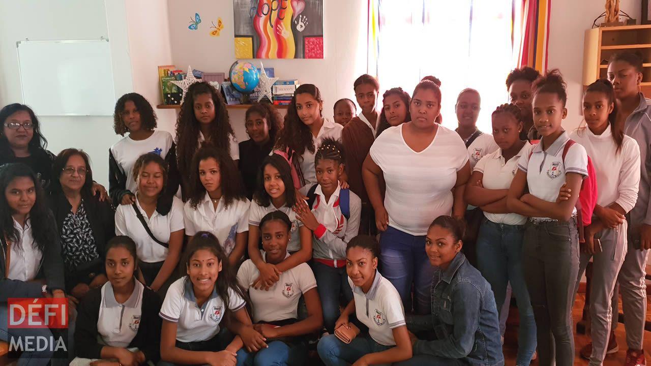 Les élèves de DIS-MOI Medco