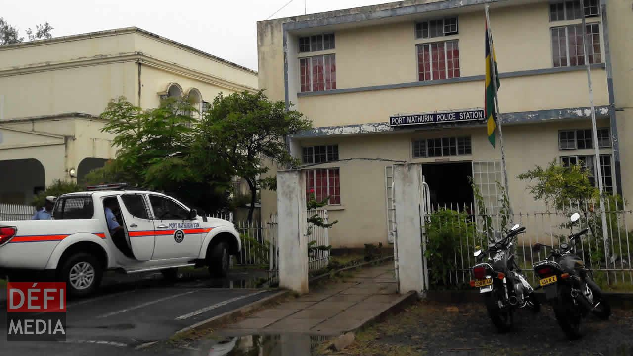La police criminelle [CID] de Port-Mathurin