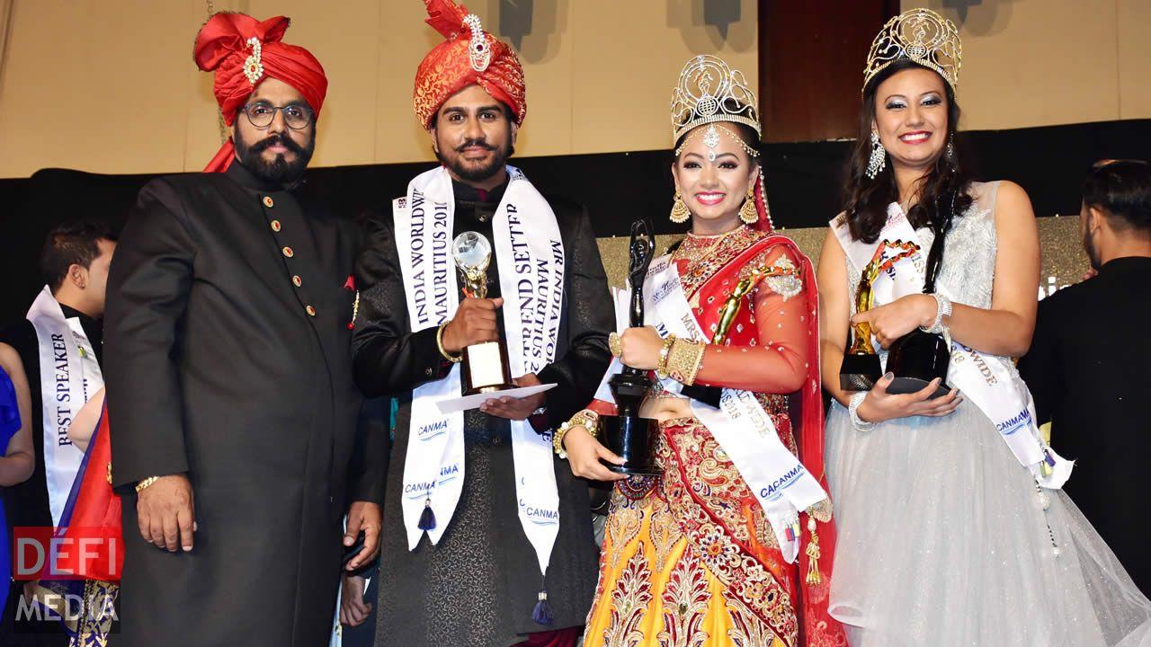 Raj Ramrachia, fondateur de CANMA, se tient aux côtés des nouveaux élus de MIWM :  Prema Nayeck, Pankaj Mohabeer et Roshnee Lutchmun.
