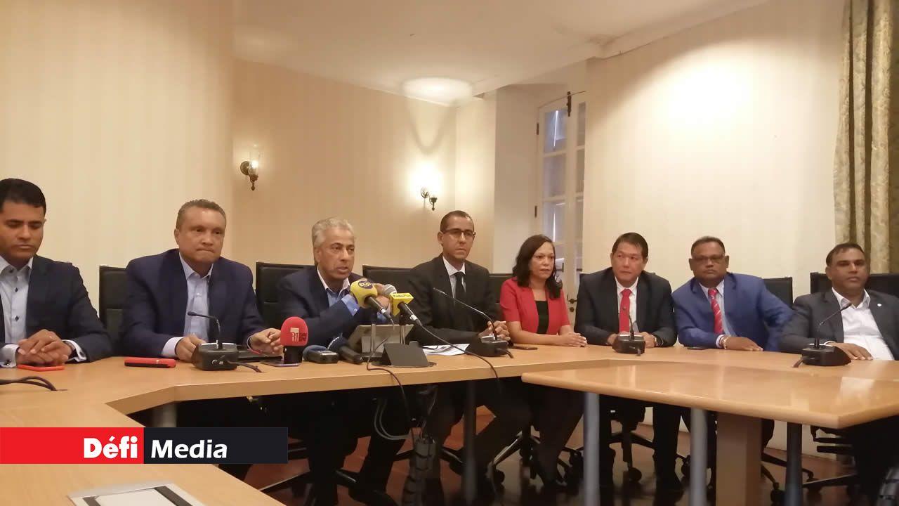 Le lader de l'opposition s'en est pris au gouvernement sur plusieurs sujets lors de la conférence de presse.