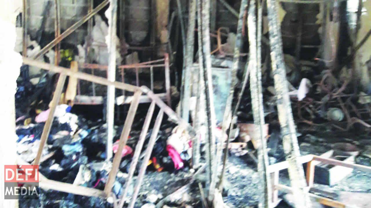 Maison incendi e bois ch ri cherche mat riaux de - Materiaux de construction de maison ...