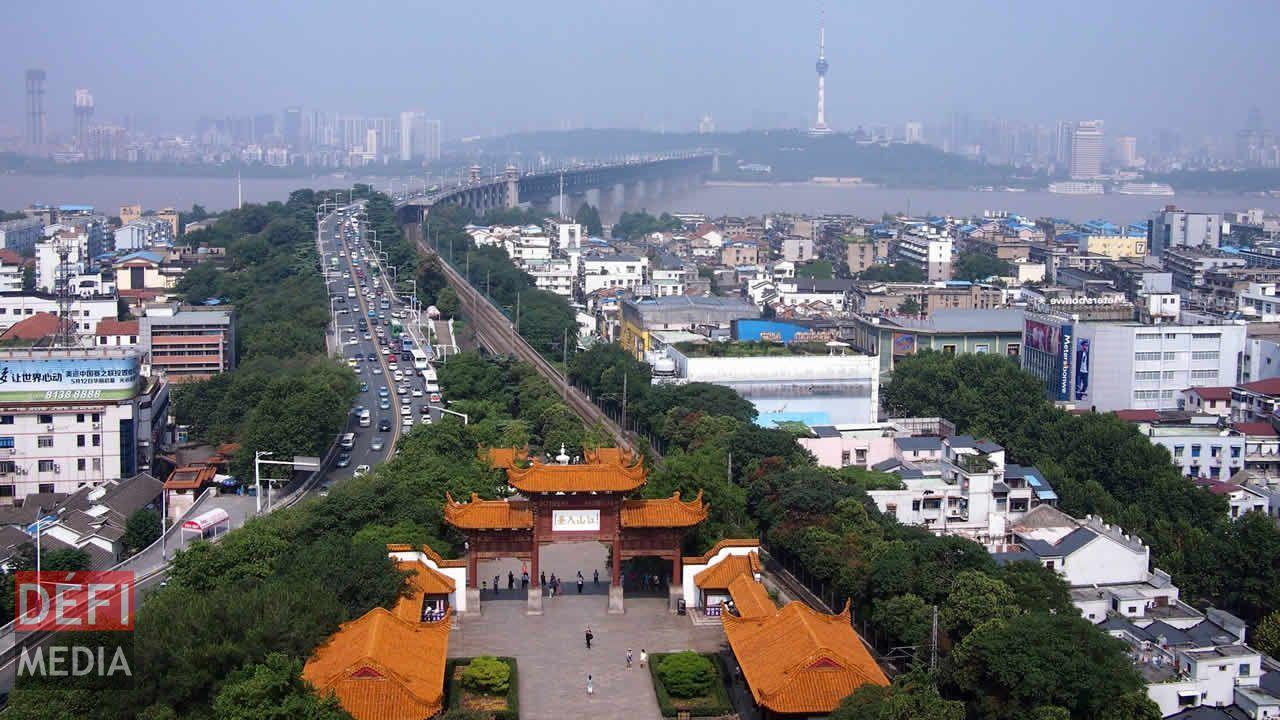 La cité de Wuhan compte plus de 10,6 millions habitants.