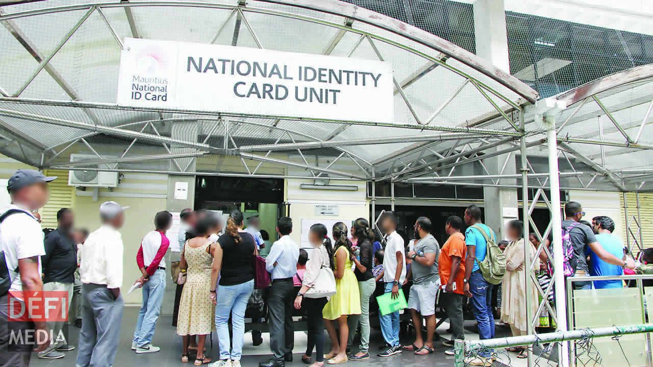 L'ancienne carte d'identité ne sera plus valide à partir du 31 mars.