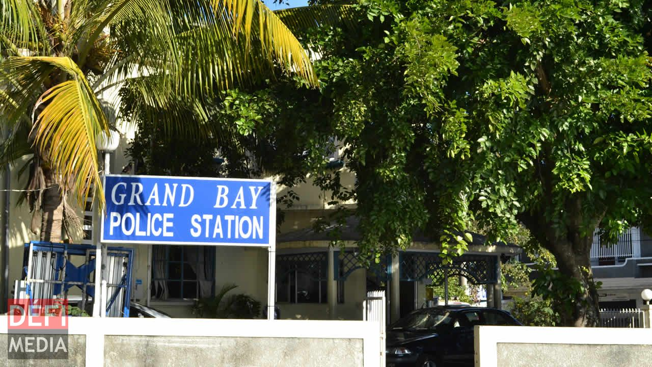 grand baie police
