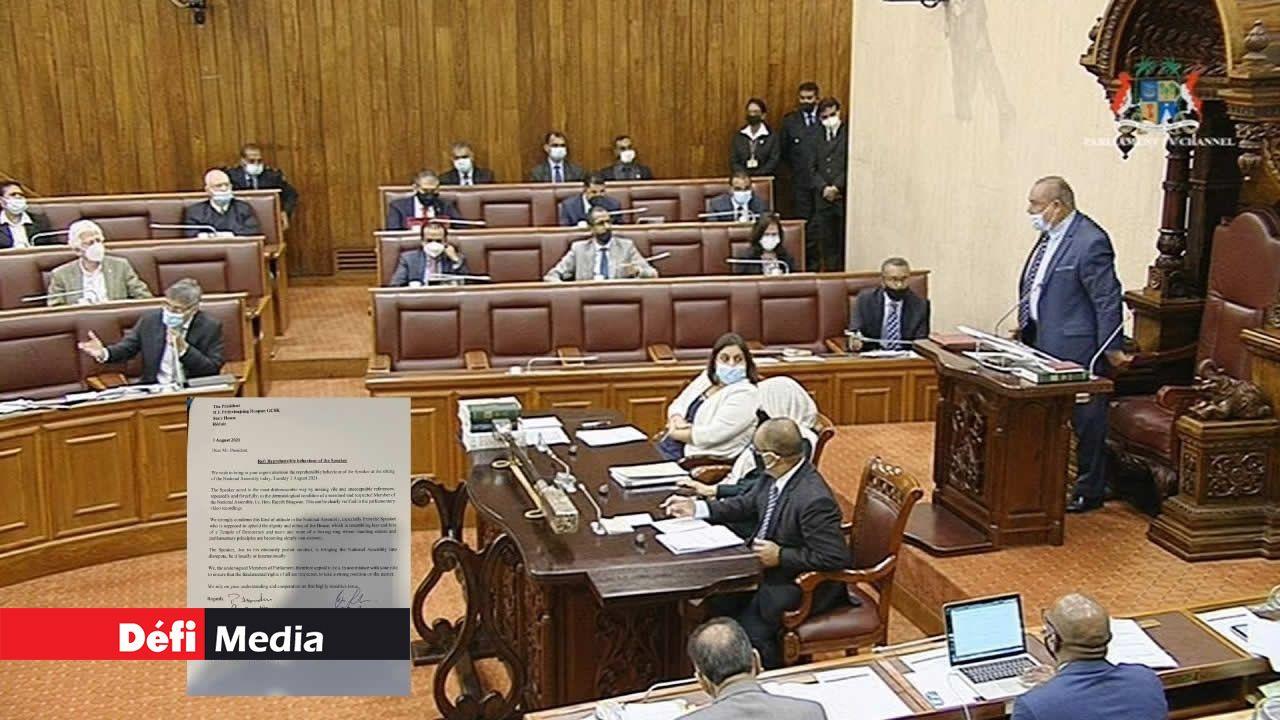 «Look at your face!» : des députés de l'opposition demandent au Président de prendre position après les propos de Sooroojdev Phokeer