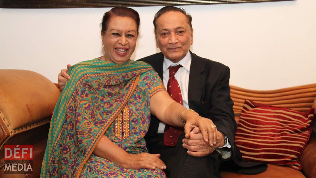 52 ans après, Yousuf et Zeinah Mohamed filent le parfait amour.