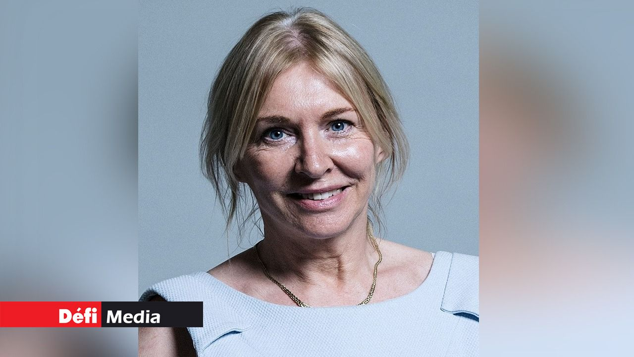 Une ministre déléguée à la Santé britannique contaminée — Coronavirus
