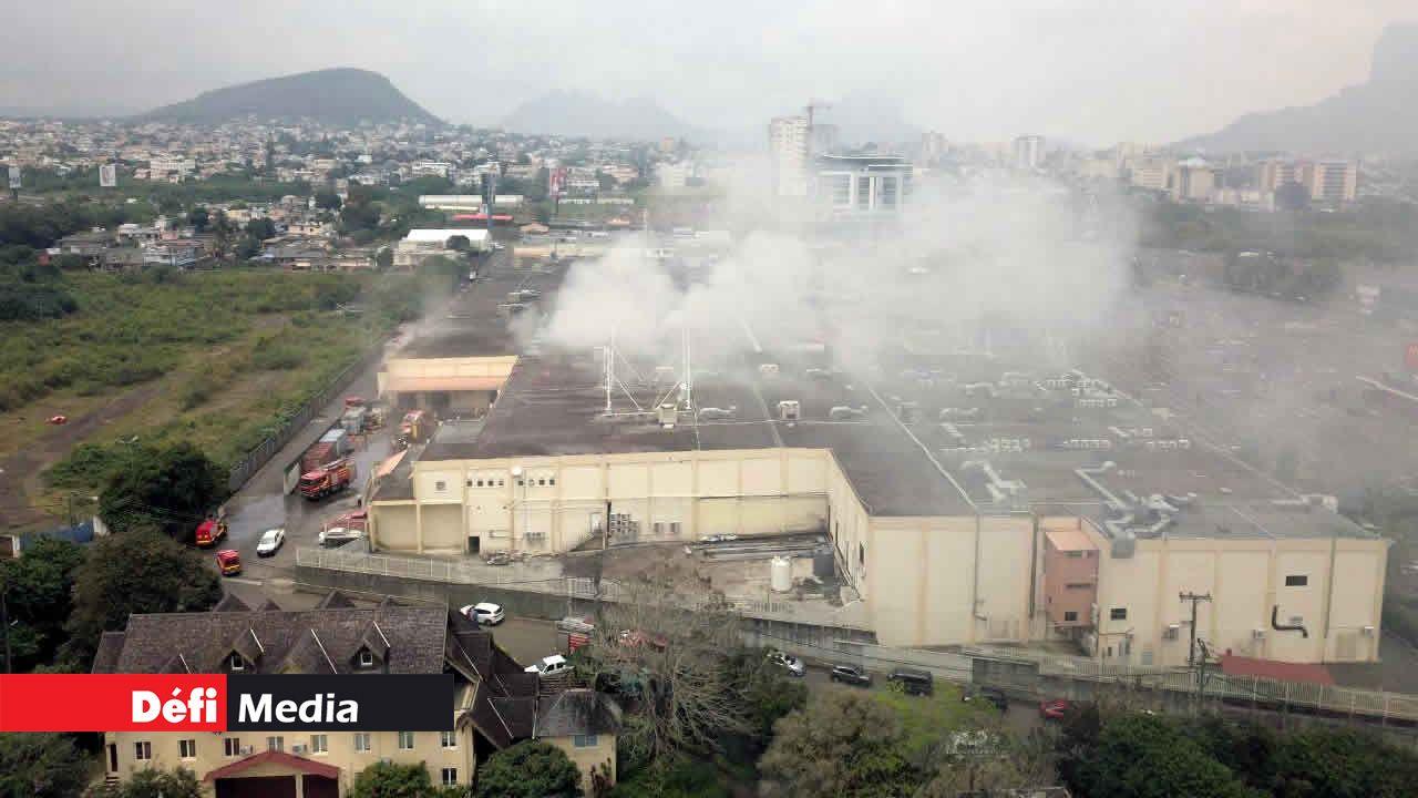Incendie à l'entrepôt de Shoprite