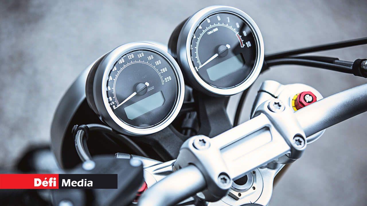 Motocyclette en panne