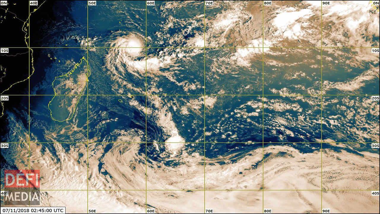 La Réunion touchée (analyse réactualisée) — Cyclone Dumazile