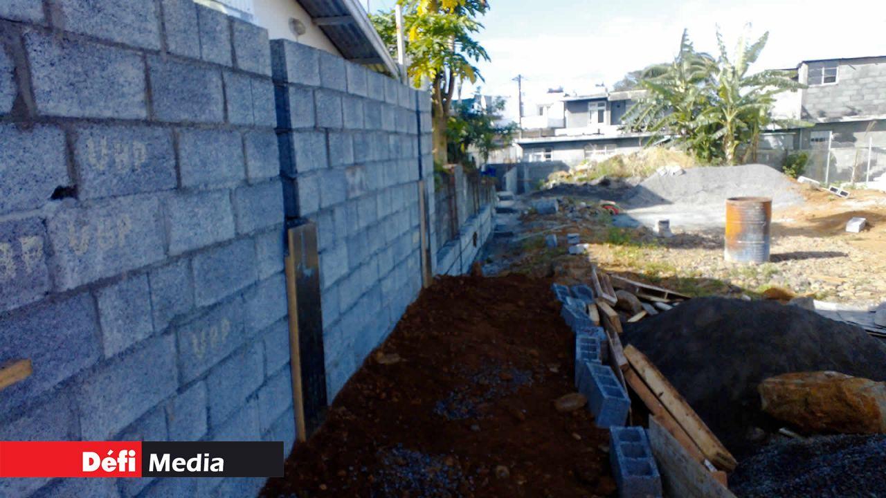 Hauteur Maximum Mur De Séparation clôture mitoyenne: son mur dépasse la hauteur maximale