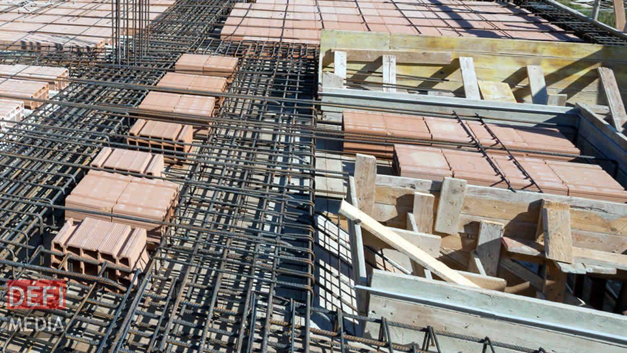 mat riaux de construction ciment barre de fer brique. Black Bedroom Furniture Sets. Home Design Ideas
