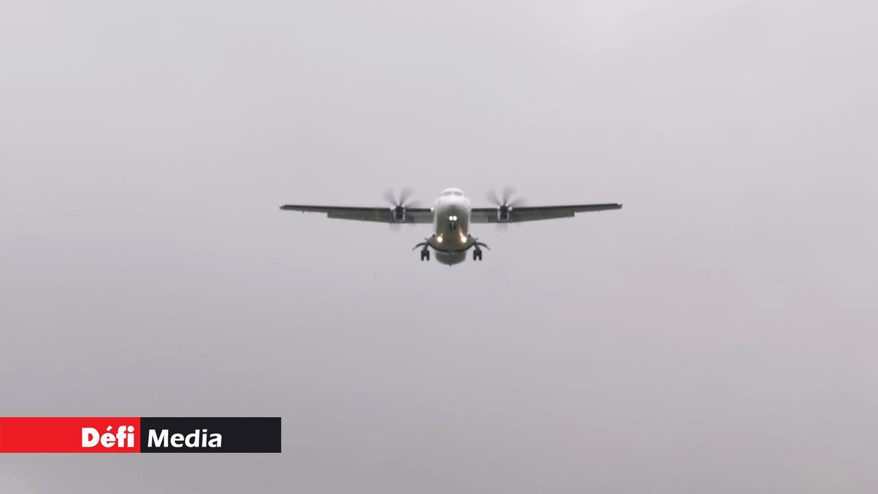 L'avion a dû atterrir en toute urgence à l'aéroport de Plaisance (Crédit photo : Waren Marie)