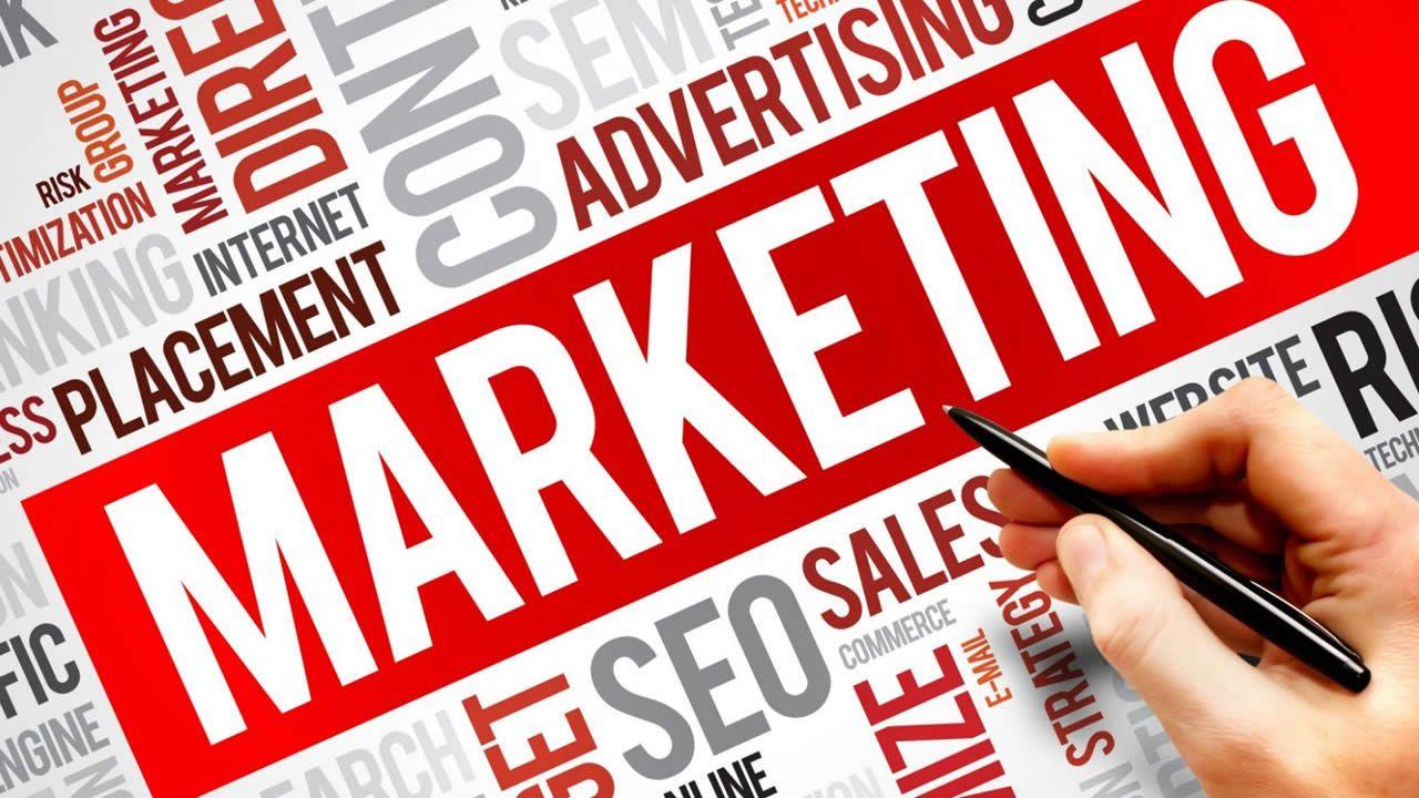 Coindesconsommateurs -l'après-fête : la vigilance face aux 'astuces' du marketing
