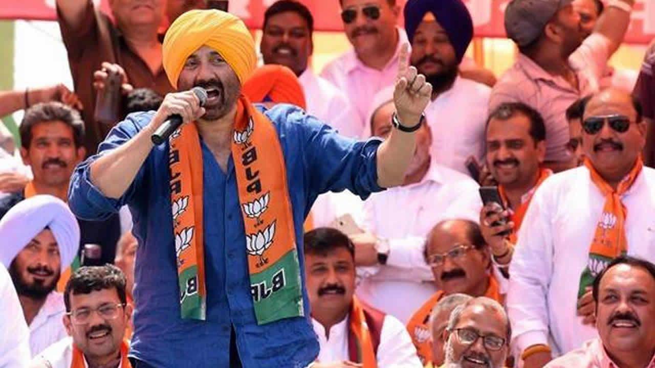 Plusieurs vedettes de Bollywood au Parlement indien