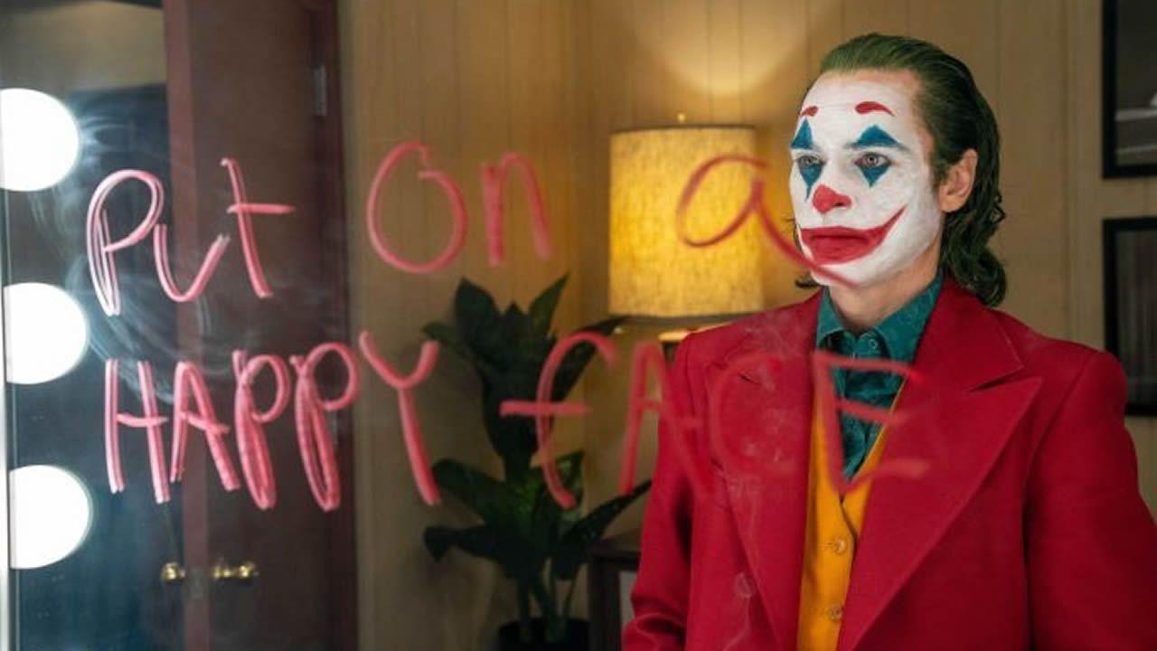 Joker a généré 258,6 millions de dollars de recettes aux États-Unis et au Canada et 529,5 millions dans le reste du monde